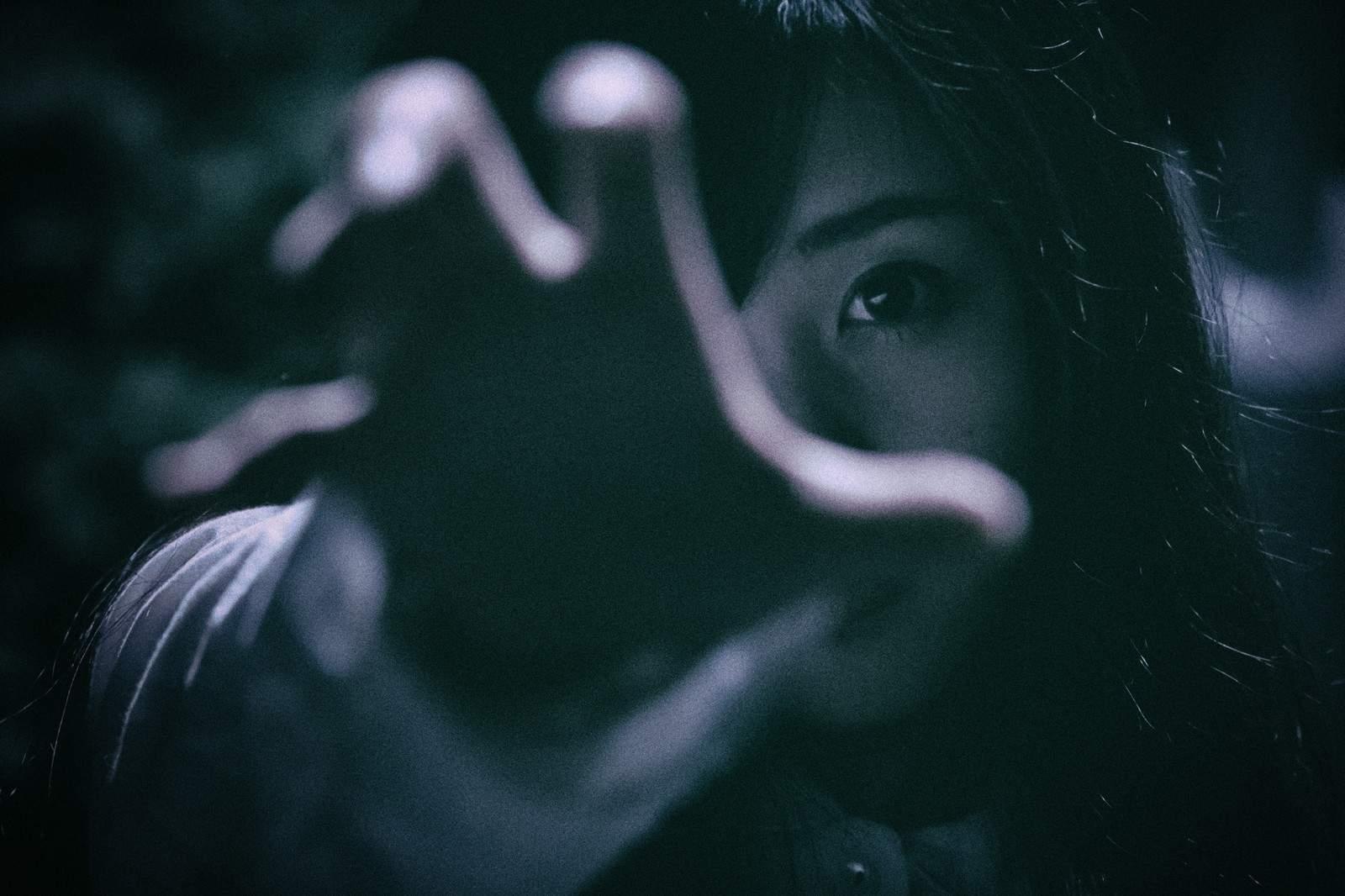 『喪服の女』|世にも奇妙な都市伝説【長編・オカルト・怖い話】