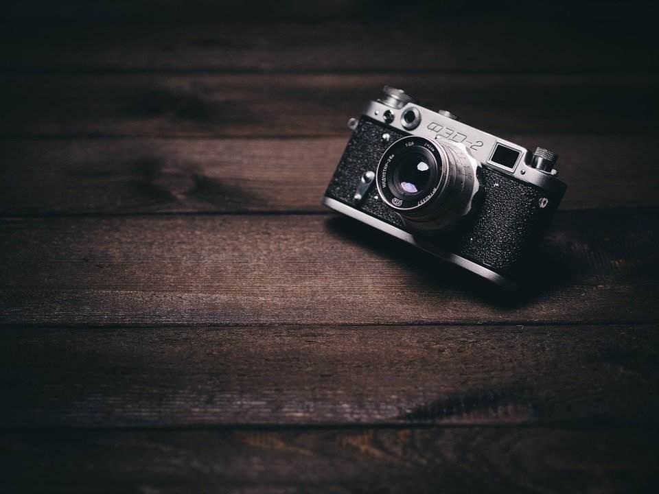 『カメラ目線』全話|洒落怖名作まとめ【シリーズ物】
