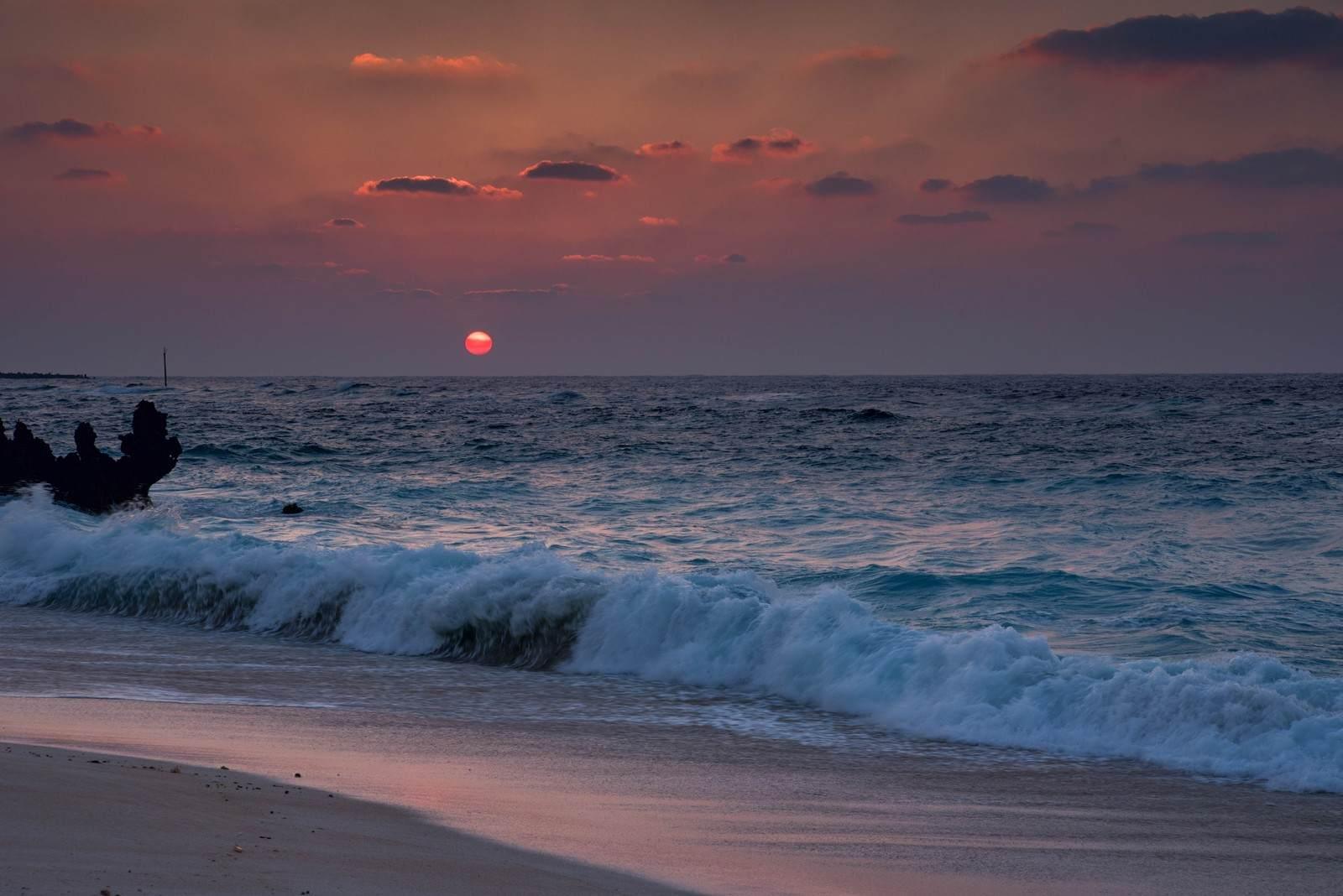 『海を見たらあかん日』 洒落怖名作まとめ【海にまつわる系】