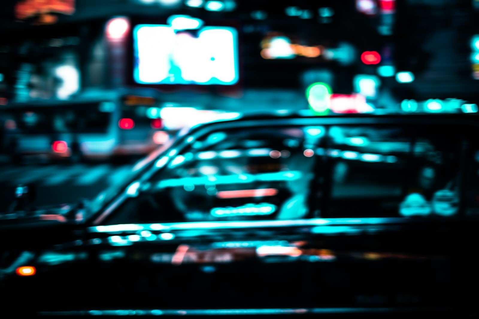 タクシーの怖い話『タクシーを拾う男』|厳選・怖い話名作まとめ