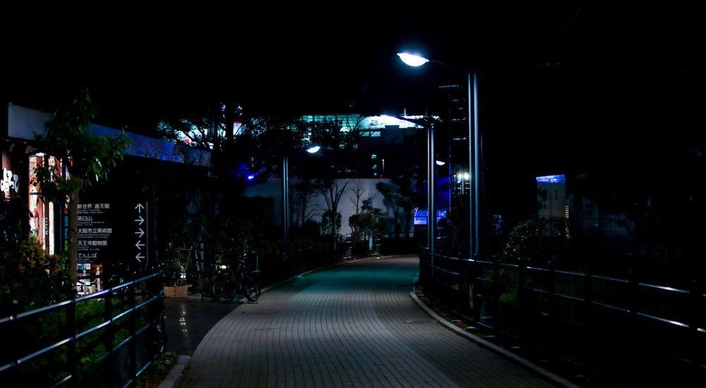 『深夜のコンビニ』コンビニにまつわる怖い話【6】|洒落にならない怖い話の体験談