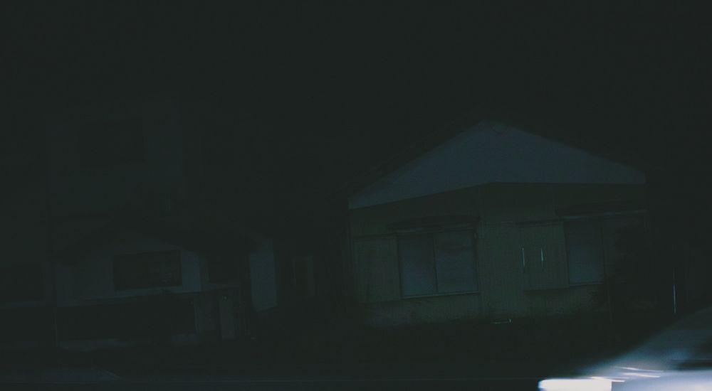 『コンビニのモニター』コンビニにまつわる怖い話【7】|洒落にならない怖い話の体験談