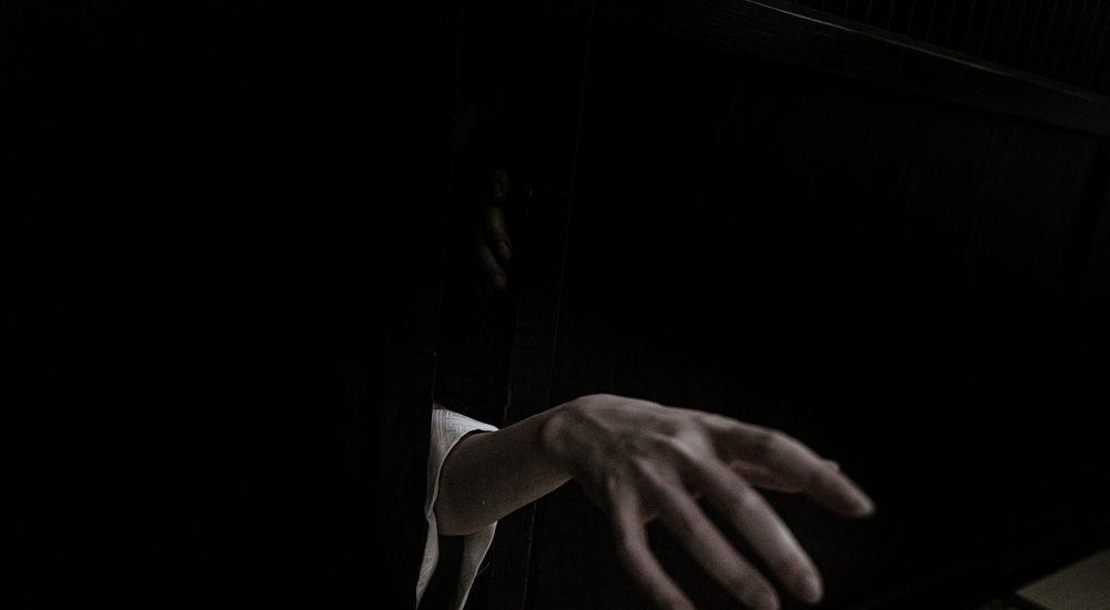 『危険な朗読会』など短編5話|洒落怖名作まとめ【自己責任系】