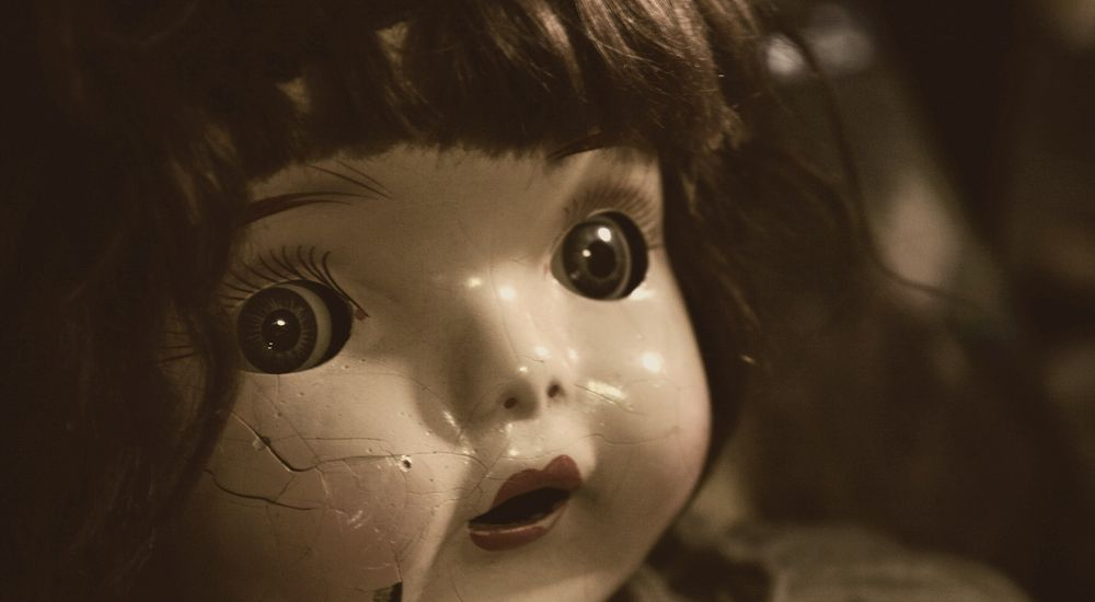 『ばあちゃんの人形』人形にまつわる怖い話【6】|厳選 洒落怖名作まとめ