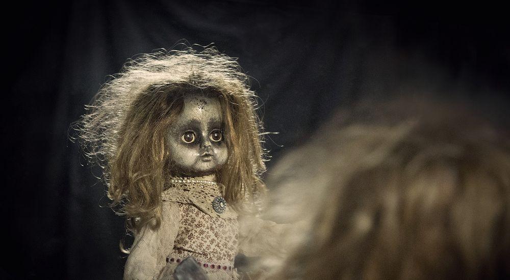 『不幸を受け止める人形』人形にまつわる怖い話【5】|厳選 洒落怖名作まとめ