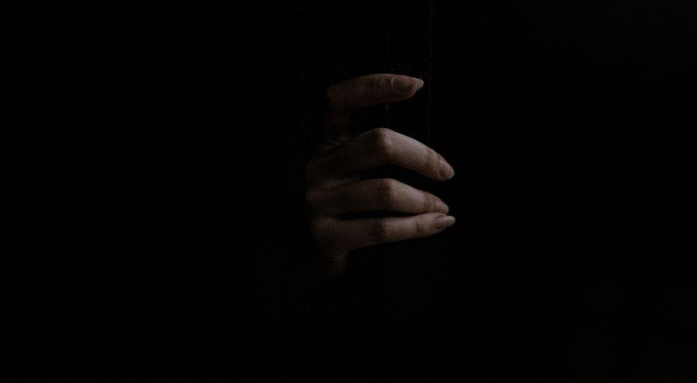 『逆吸血鬼と存在しない町』【逆吸血鬼シリーズ - 1】 洒落怖名作まとめ